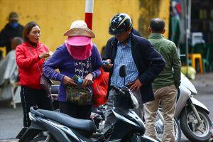 Vé 'chợ đen' trận Việt Nam - Campuchia cao chót vót, dân 'hóng' vé bán kết AFF Cup 2018