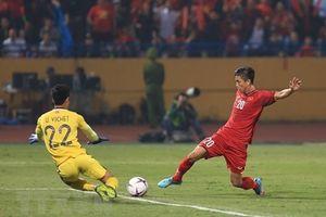 Phan Văn Đức ghi bàn nâng tỷ số lên 3-0, ăn mừng như Ronaldo