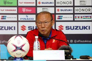 HLV Park Hang-seo cử 2 trợ lý xem giò cẳng các đối thủ bảng B