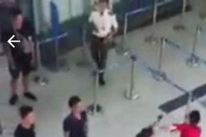 Bộ GTVT đề nghị xử nghiêm côn đồ đánh nữ nhân viên hàng không