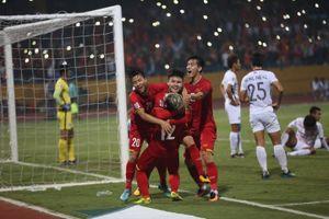 Giành vé bán kết, tuyển Việt Nam lập thành tích thú vị AFF Cup
