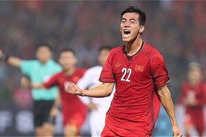 Thắng Campuchia 3-0, tuyển Việt Nam vào bán kết AFF Cup với ngôi đầu bảng