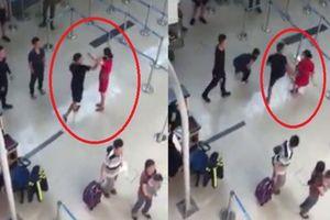 Đối tượng tát vào mặt, đạp ngã nhân viên hàng không xuống đất vì từ chối chụp ảnh có thể bị phạt tù 2 năm