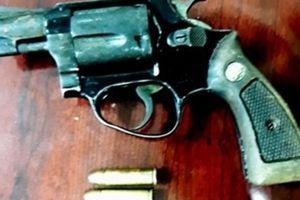 Cầm súng giải quyết mâu thuẫn tại quán ăn đêm, 1 người tử vong