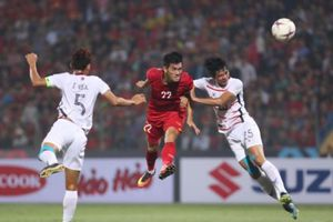 Việt Nam vào bán kết AFF Cup với ngôi đầu