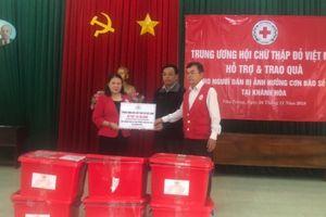 Hội Chữ thập đỏ Việt Nam cứu trợ người dân bị sạt lở ở Khánh Hòa
