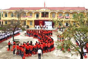 Phú Thọ: Học sinh vùng cao với tình yêu biển, đảo quê hương