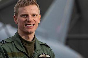Phi công Anh lái chiến đấu cơ xuyên bão lớn, diệt mục tiêu IS ở Syria