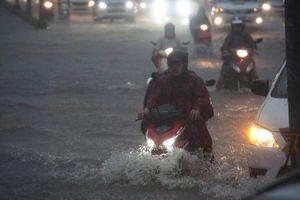 Bão số 9 suy yếu thành ATNĐ, gây mưa 'khủng' cho Nam Bộ