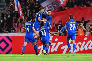 Thắng nhẹ Singapore, Thái Lan gặp Malaysia ở bán kết AFF Cup 2018