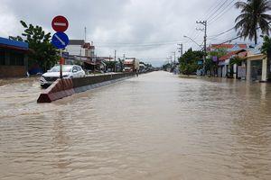 QL1 qua Khánh Hòa ngập nặng, có nơi sâu 1m