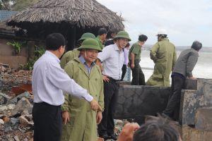 Sóng đánh chìm 33 tàu, thuyền ở Bình Thuận