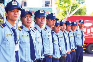 Làm vệ sĩ cho Tiền Phong trên Tây Nguyên