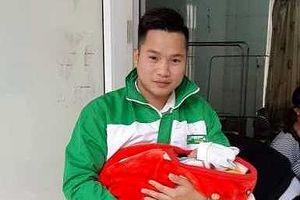 Thêm 1 tài xế Mai Linh làm 'bà đỡ' ngay trên xe