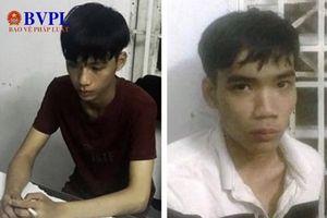 Hai thanh niên cướp giật iPhoneX của nữ du khách sa lưới
