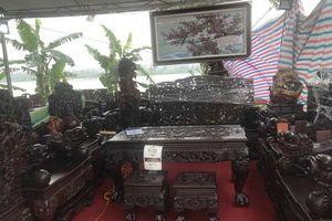 Bỏ 1 triệu USD mua 4 bộ bàn ghế: Thương lái Tàu càn quét hàng độc trên đất Việt