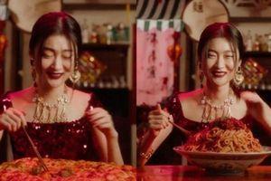Clip: 'Sốc' với lý do Dolce & Gabbana bị tẩy chay dữ dội ở Trung Quốc