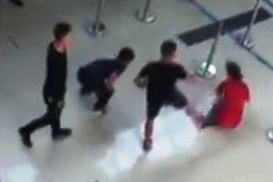 Khởi tố nhóm thanh niên hành hung nữ nhân viên ở sân bay Thọ Xuân