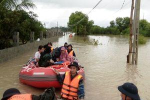 Lực lượng Hải quân tập trung giúp dân ứng phó bão số 9