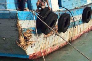 Bình Thuận: Bão số 9 làm sạt lở 2km bờ biển, hàng chục thuyền máy bị hư hỏng