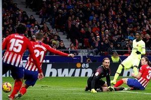 Dembele lập công, Barca thoát thua trước Atletico