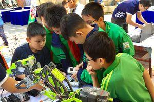 Ngày hội Khoa học kỹ thuật sáng tạo thanh thiếu nhi Thủ đô lần thứ IV