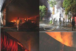 3 xe ô tô hư hỏng nặng sau vụ cháy gara