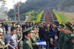 Tiếp nhận đối tượng truy nã đặc biệt nguy hiểm do Trung Quốc trao trả