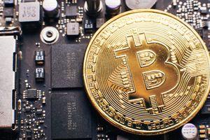 Vì sao Bitcoin thủng đáy xuống 3.000 USD?