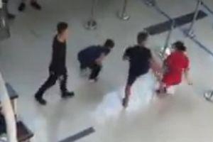 Khởi tố vụ hành hung nhân viên hàng không tại sân bay Thọ Xuân