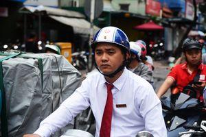 Sau bão số 9: Người Sài Gòn khổ sở với đường ngập, kẹt xe, xe hư