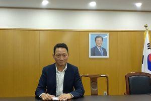 Hàn Quốc cấp visa 5 năm cho công dân Việt Nam vì tình yêu Park Hang-seo