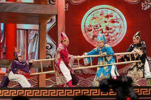 Showbiz 26/11: Tuyên bố bỏ vai Táo quân, nghệ sĩ Chí Trung lại đổi ý