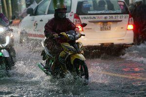 Ứng dụng xe ôm, taxi công nghệ tại Sài Gòn tê liệt vì ảnh hưởng của bão số 9