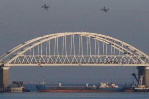 Nga bắt giữ ba tàu chiến Ukraine ngoài khơi bán đảo Crimea