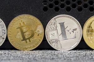 Tiền ảo tiếp tục rớt giá mạnh, Bitcoin có lúc tụt dưới 3.500 USD