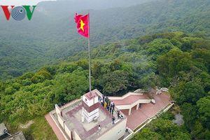Khảo sát xây dựng 'cột mốc tâm linh' trên đảo Trần tiền tiêu