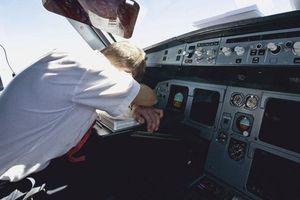 Phi công ngủ quên khiến máy bay 'đi quá giới hạn' 46 km