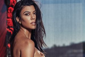 Chị gái Kim Kardashian chụp ảnh nude trên tạp chí đàn ông