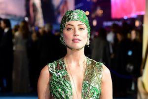 Vợ cũ Johnny Depp mặc lộng lẫy tại sự kiện ra mắt phim