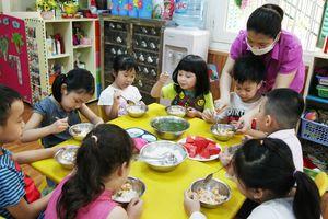 Tọa đàm trực tuyến về 'Đảm bảo ATTP bữa ăn bán trú trong trường học trên địa bàn Hà Nội'