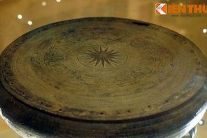 Soi chiếc trống đồng bảo vật được khai quật ở Hà Nội