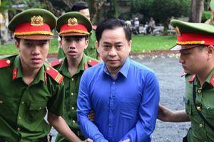 Đọc gì hôm nay 27/11: Vũ 'nhôm' hầu tòa trong đại án Ngân hàng Đông Á