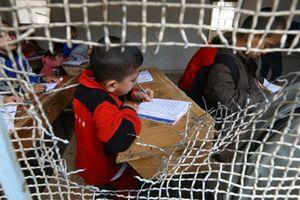 Học sinh Syria nô nức đi học giữa đống đổ nát ở Raqqa
