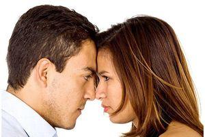 Lệch pha, chẳng qua là bệnh ích kỷ khi 'yêu'