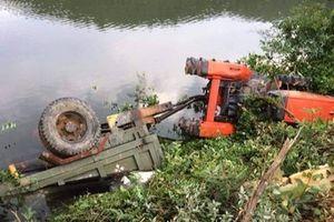 Hà Tĩnh: Máy cày mất lái lao xuống vực khiến lái xe tử vong