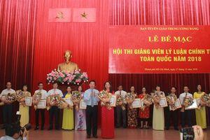 Thí sinh Trịnh Thị Thùy Vân đoạt giải Nhất Hội thi Giảng viên Lý luận