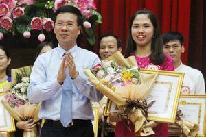 Nữ giảng viên Quảng Trị giành giải nhất hội thi giảng viên lý luận chính trị giỏi