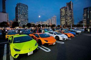 Hơn 200 siêu xe Lamborghini 'đại náo' đường phố Nhật Bản