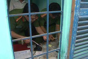 Thừa Thiên - Huế: Bị tóm cả hội khi giúp bạn phi tang ma túy